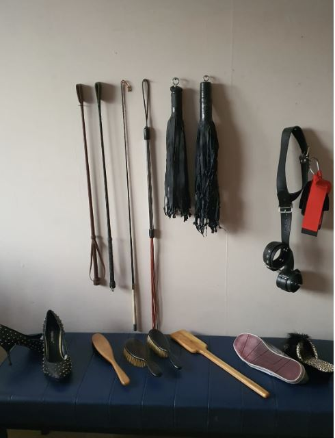 implements 1